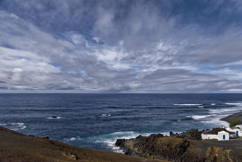 Lanzarote kustlijn stock afbeelding