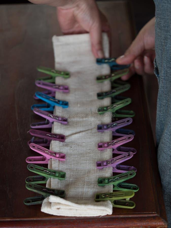 Lao tradicional que tece e que tinge-se, Luang Phabang imagens de stock