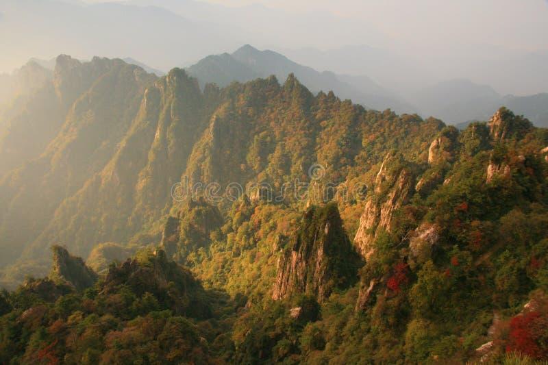 Laojun Mountain sunrise. Laojun Mountain, whose real name is Jing shaoshishan, mainstream Quanzhen Taoist shrines, Henan province is located in the Chinese stock photos