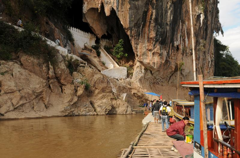 Laos: Pak Ou Holes på den Mekong River norden av Luang Brabang arkivfoto