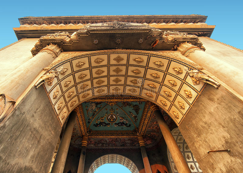 Laos, Vientiane - monumento do arco de Patuxai imagens de stock royalty free