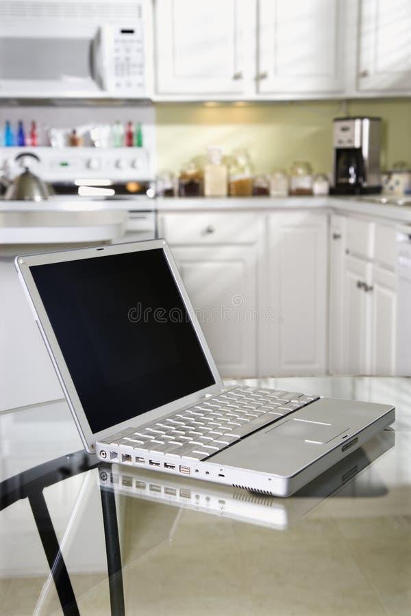 lap-top κουζινών υπολογιστών στοκ εικόνες