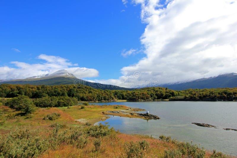 Lapataia fjärd i Tierra del Fuego National Park, Argentina royaltyfri foto