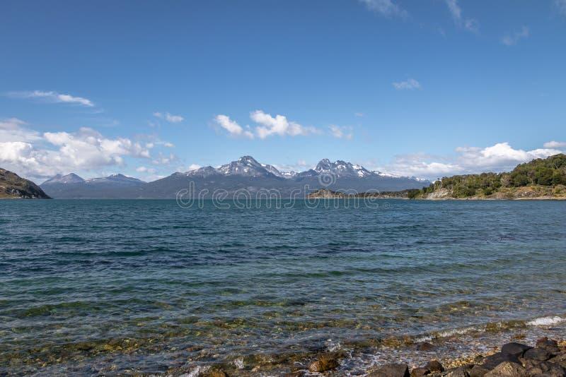 Lapataia zatoka przy Tierra Del Fuego parkiem narodowym w Patagonia - Ushuaia, Tierra Del Fuego, Argentyna obrazy stock