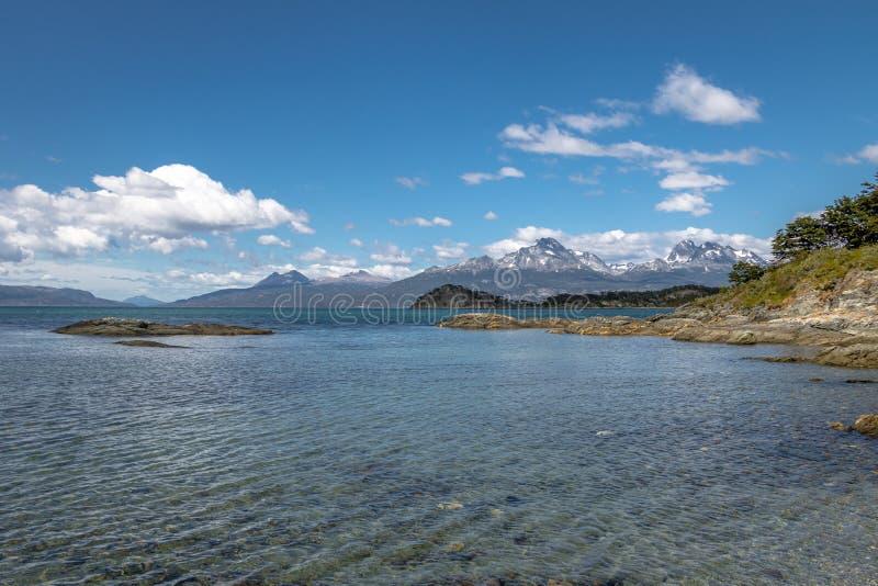 Lapataia zatoka przy Tierra Del Fuego parkiem narodowym w Patagonia - Ushuaia, Tierra Del Fuego, Argentyna fotografia stock