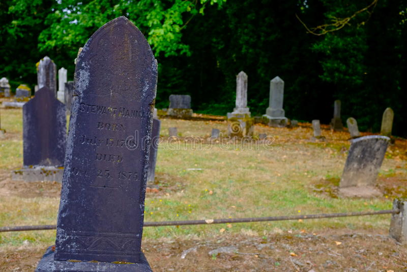 Lapide al cimitero pionieristico in Dayton Oregon fotografie stock libere da diritti