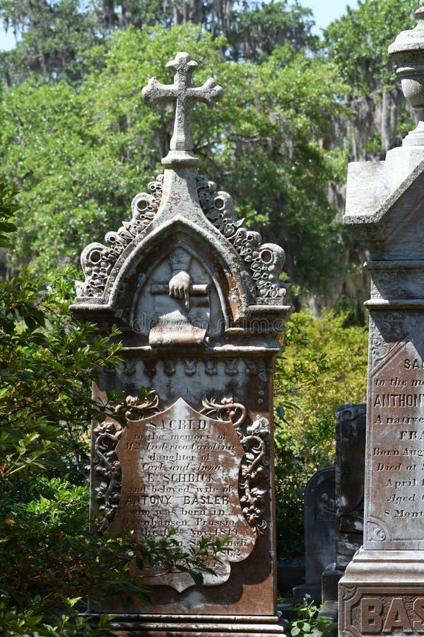 Lapide del cimitero al cimitero storico di Savannah Georgia fotografia stock libera da diritti