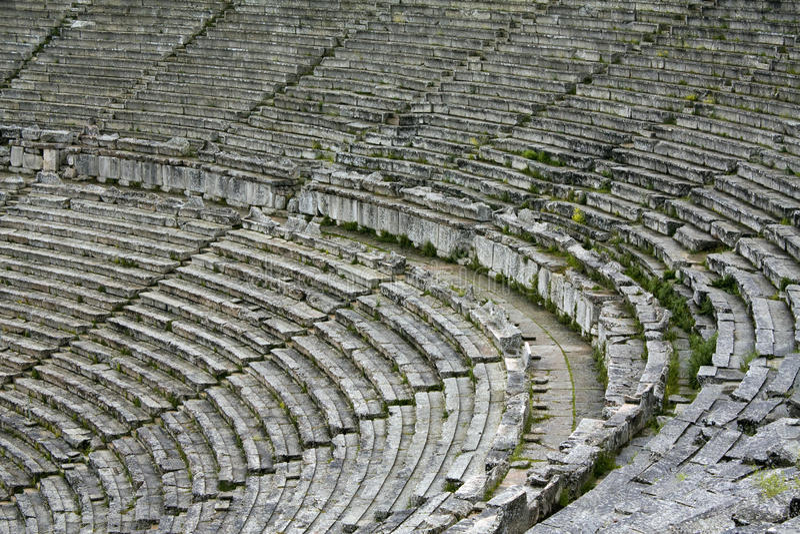 Lapidi le sedi nel teatro antico greco fotografia stock libera da diritti