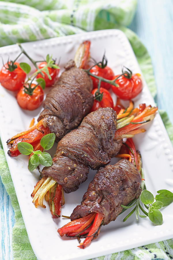 Lapje vleesbroodjes met groenten royalty-vrije stock foto