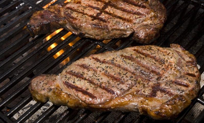 Lapjes vlees op de Grill royalty-vrije stock foto's