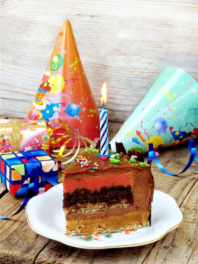 Lappa av tårtan arkivbild