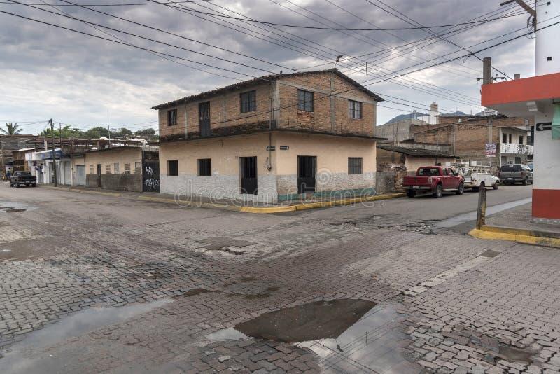 Lappade tvärgator i Pitillal Puerto Vallarta royaltyfria bilder