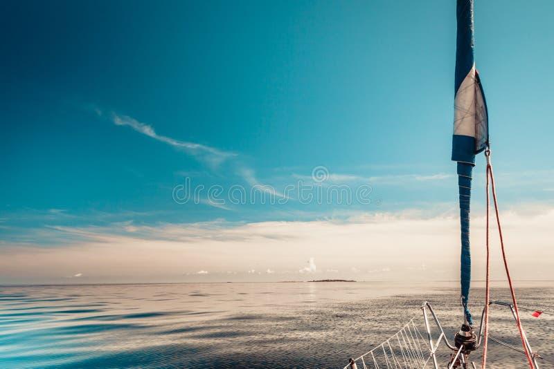 Lapper φλόκος κυλίνδρων της Γένοβας, jibsheet στη βάρκα στοκ εικόνα με δικαίωμα ελεύθερης χρήσης