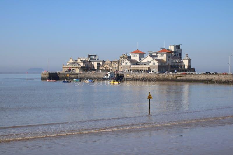 Lapping штиля на море на береге стоковые изображения