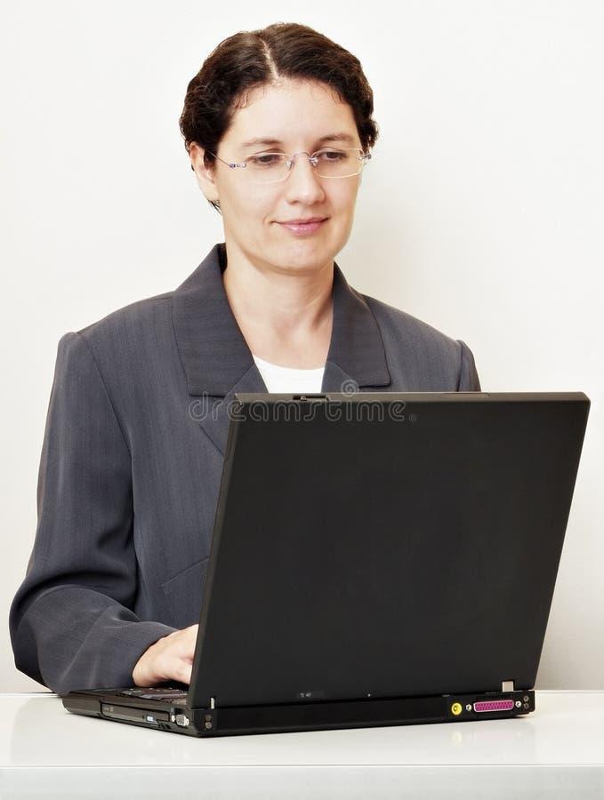 Laptop arbeider pro royalty-vrije stock afbeelding