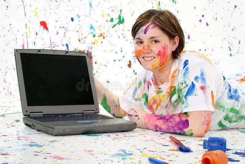 laptop artystyczny nastolatków. zdjęcia royalty free