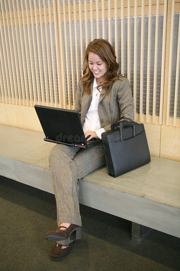 laptop biznesowej kobieta fotografia stock