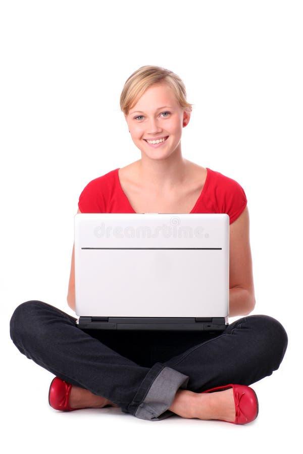 laptop do młodych kobiet obrazy royalty free