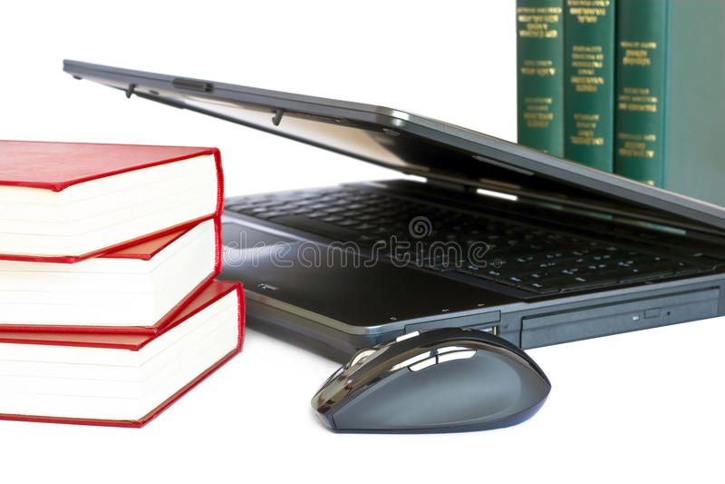 Laptop en boeken royalty-vrije stock fotografie