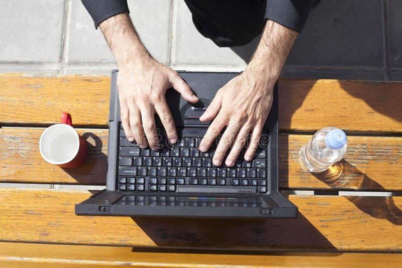 Laptop het typen royalty-vrije stock afbeeldingen