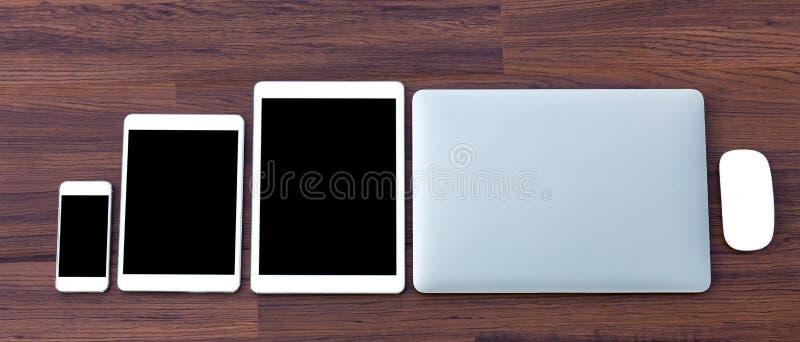 Laptop met tablet en slimme telefoon stock fotografie