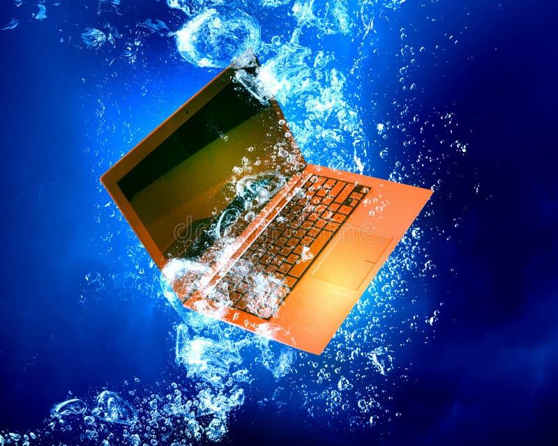 Laptop pod wodą zdjęcie stock
