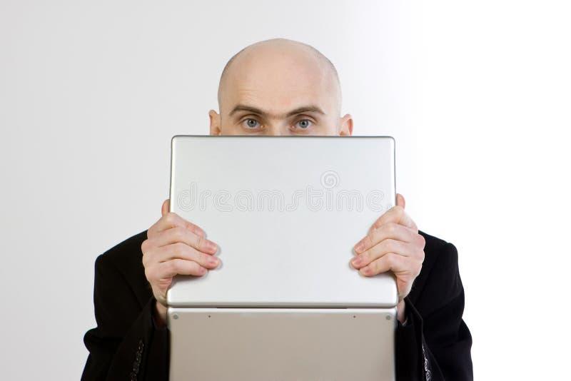 Laptop van de Holding van de mens royalty-vrije stock afbeelding