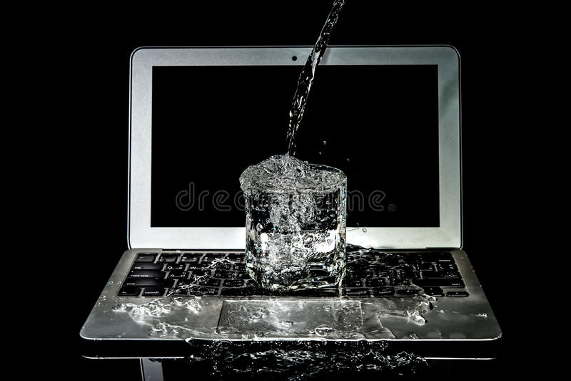 Laptop-Wasserschaden stockfotos