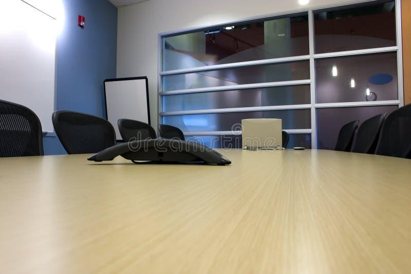 laptopa konferencji pda pokoju stół obrazy stock