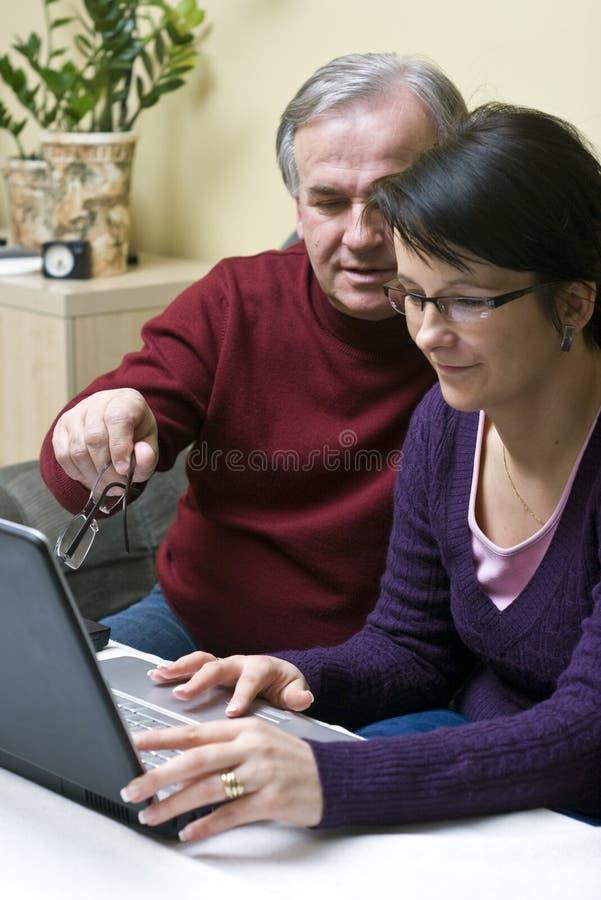 laptopu nauczania użycie zdjęcie stock