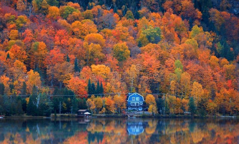 Laque Superieur au Québec près de Mont Tremblant photo libre de droits