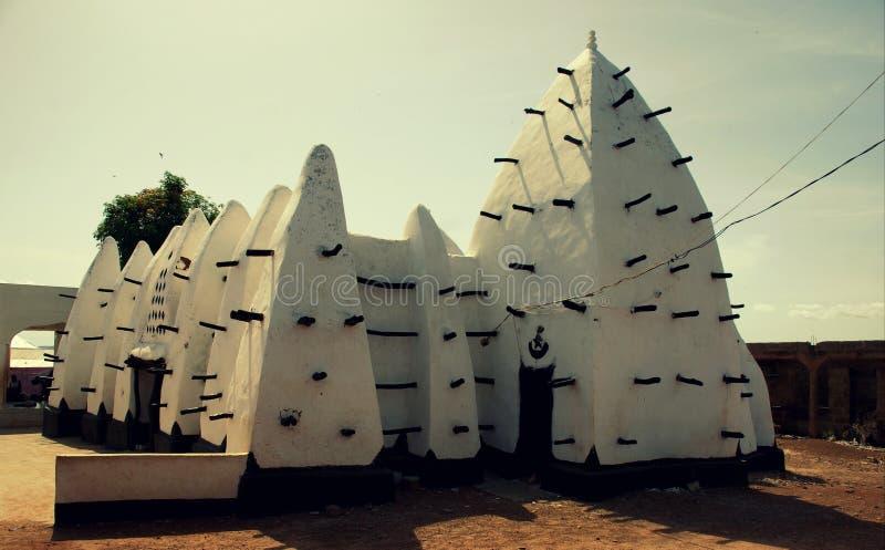 Larabanga moské i nordliga Ghana, 2018 royaltyfri bild
