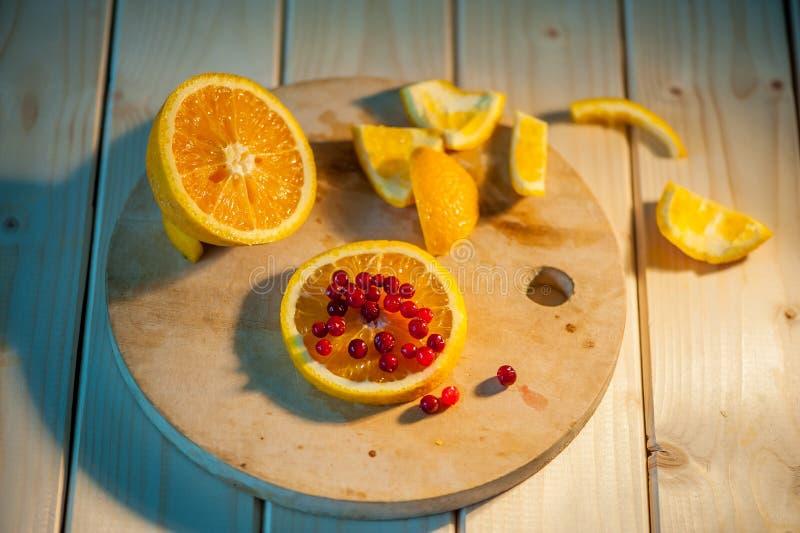 laranja com arandos imagens de stock royalty free