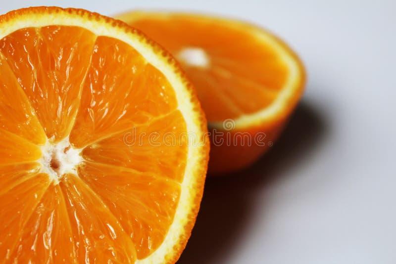 laranja suculenta de um segmento fotos de stock
