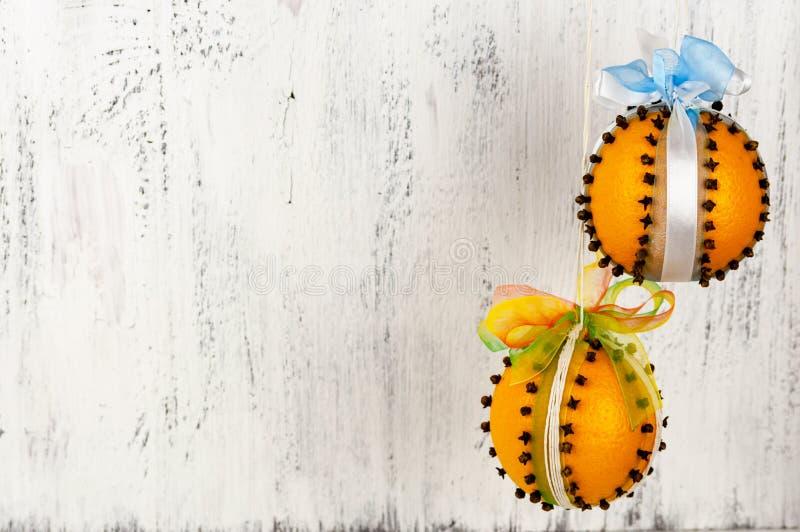 Laranjas com cravos Decorações decorativas para o feriado do Natal Lembranças perfumadas DYV imagens de stock