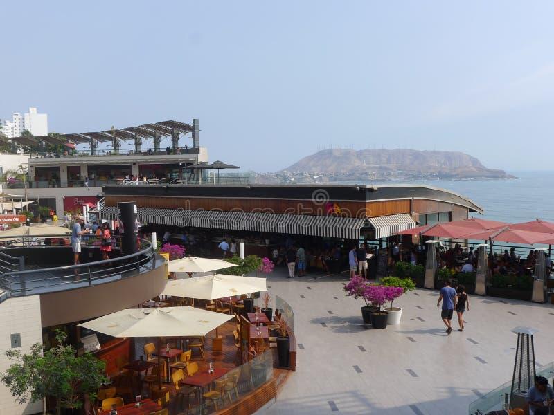 Larcomar购物中心在米拉弗洛雷斯,利马 免版税库存图片
