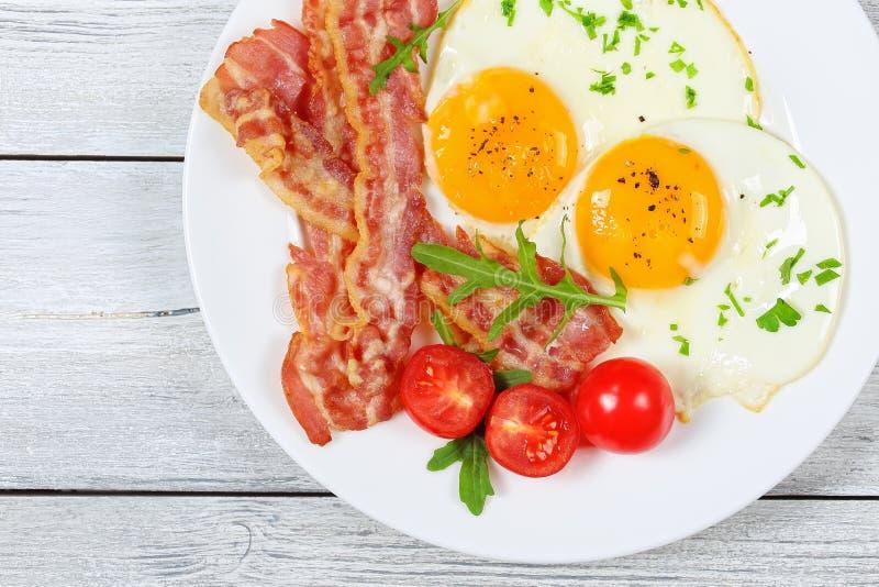 Lard et Sunny Side Up Eggs photos stock