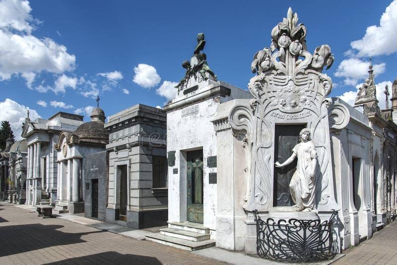 LaRecoleta kyrkogård i Buenos Aires, Argentina fotografering för bildbyråer