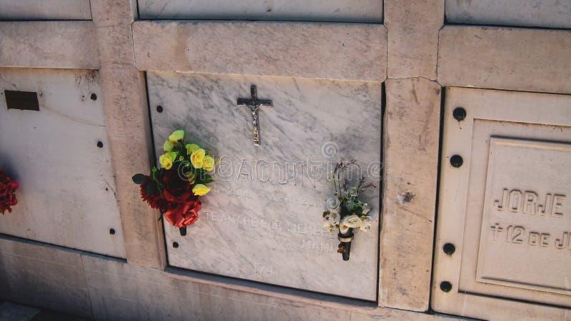 LaRecoleta kyrkog?rd i Buenos Aires, Argentina royaltyfri foto