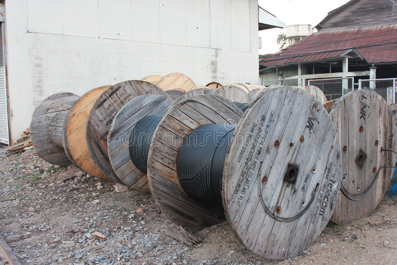 Large cable drum editorial image. Image of coil, drum - 49455005