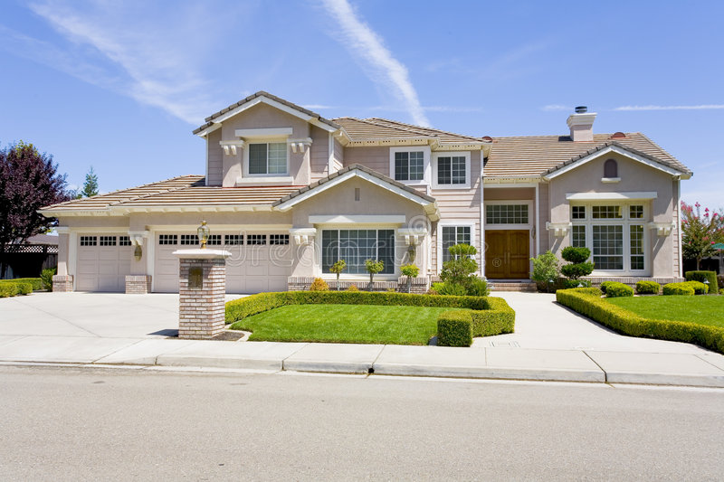 Large Luxurious Suburban Home For The Executive With A Family royalty free stock photos