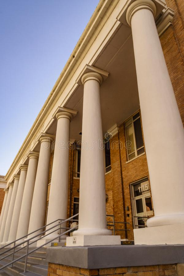Free Large Pillars Line The Courthouse Entry Stock Photos - 118184693