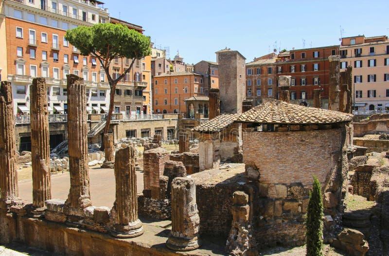 Largo di Torre Аргентина в Риме, Италии стоковые фотографии rf
