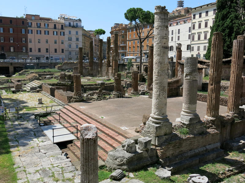 Largo di Torre Аргентина, Рим стоковое фото rf