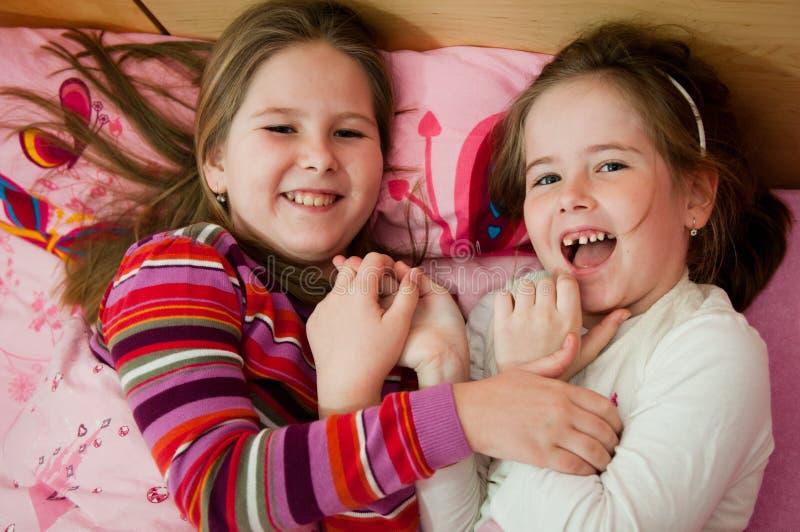 Larking dzieci w domu obraz royalty free