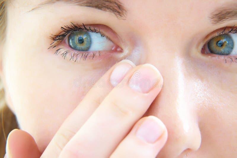 Larmes dans ses yeux photographie stock