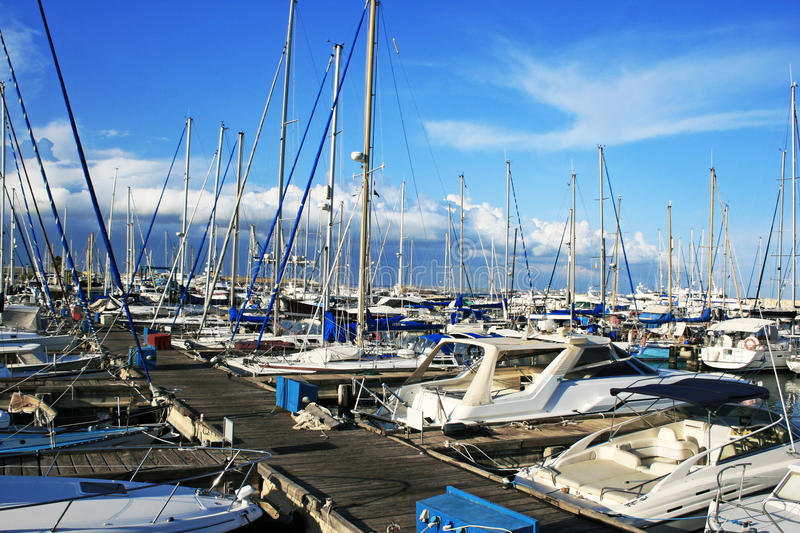 larnaca port royaltyfri foto