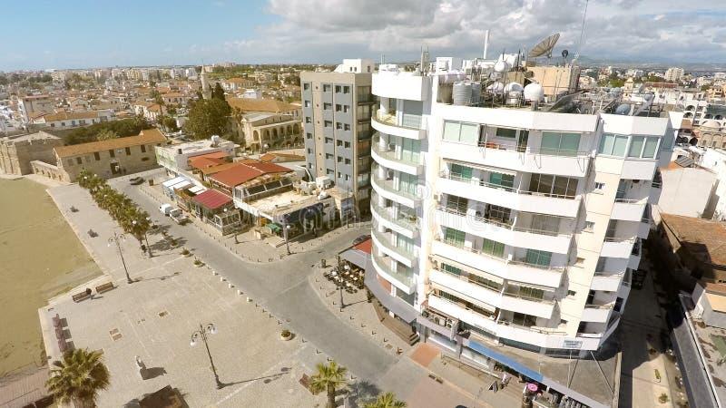 Larnaka pejzaż miejski z góry, piękny widok z lotu ptaka miasto, nieruchomość czynsz obraz royalty free