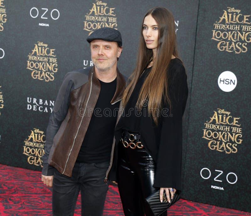 Lars Ulrich и Джессика Miller стоковая фотография