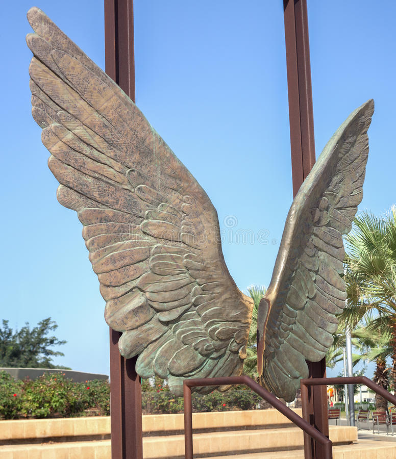 Las alas esculpen en Tel Aviv fotos de archivo
